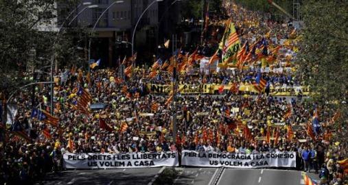 Resultat d'imatges de fotos manifestació 16 d'abril de 2018
